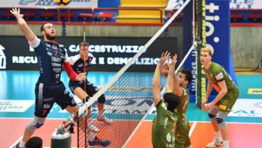 Siena strappa la vittoria alla capolista e vince al tie break
