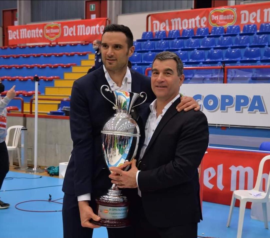 Graziosi sarà alla guida del team anche dopo la Supercoppa per coronare il progetto rossoblù